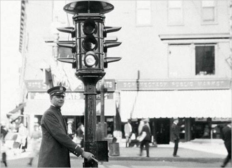 İlk Kullanılan Trafik Lambaları