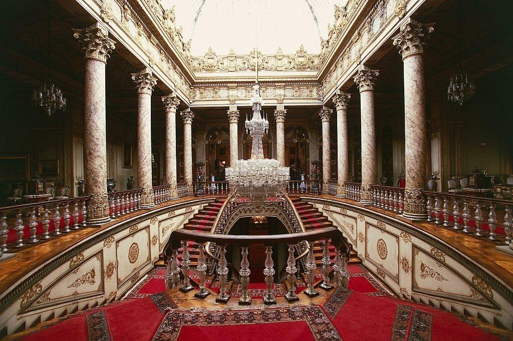 Dolmabahça Sarayı